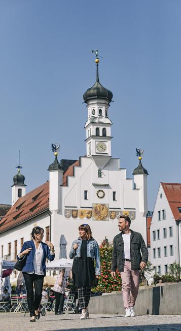 Der Rathausplatz eine der Sehenswürdigkeiten in Kempten