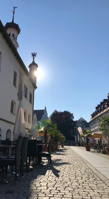 Die zahlreichen Plätze in der Stadt zählen auch zu den Sehenswürdigkeiten in Kempten