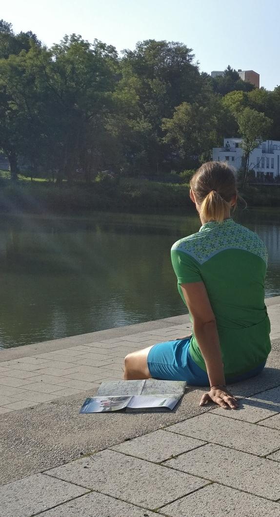 Pause auf den Illerstufen am Altstadtpark in Kempten