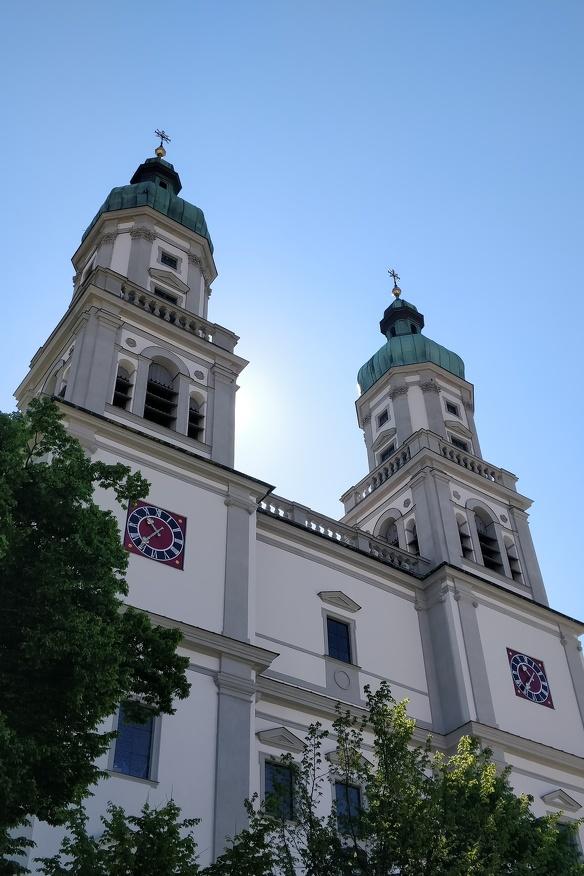 Außenansicht der Basilika St. Lorenz