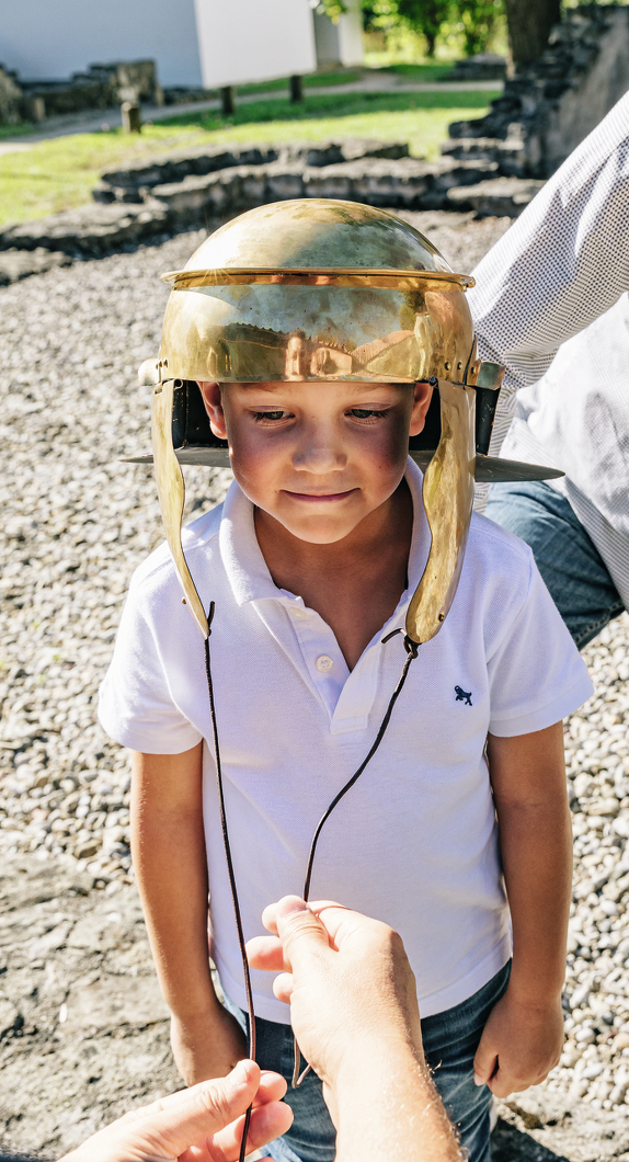 Leuchtende Kinderaugen im Archäologischen Park Cambodunum