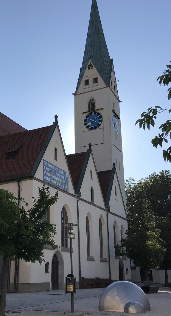 Außenansicht der St.-Mang-Kirche