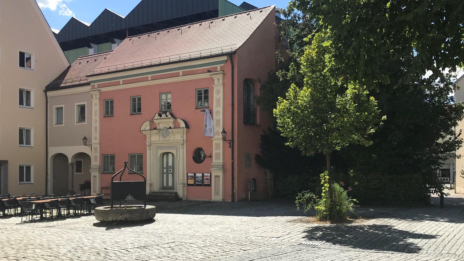 Blick auf den Sigmund-Ullmann-Platz