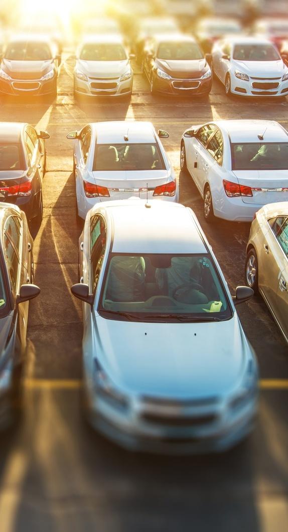 Parkende PKWs