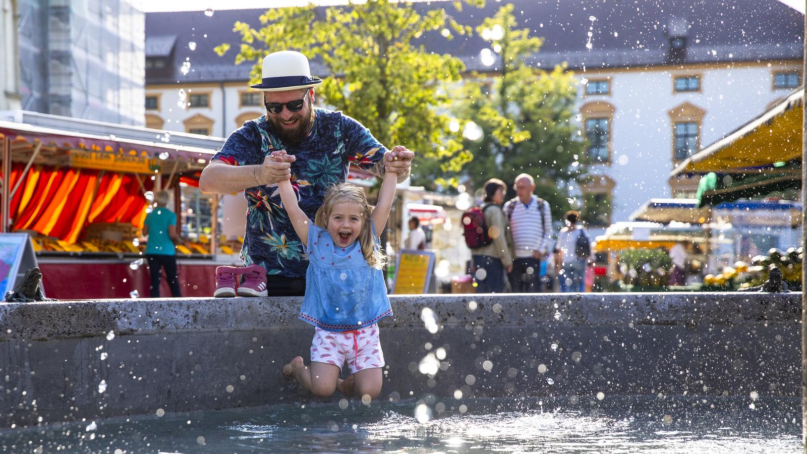 Spielen am Marktbrunnen Kempten