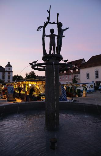Der Wochenmarkt Kempten bei Sonnenaufgang