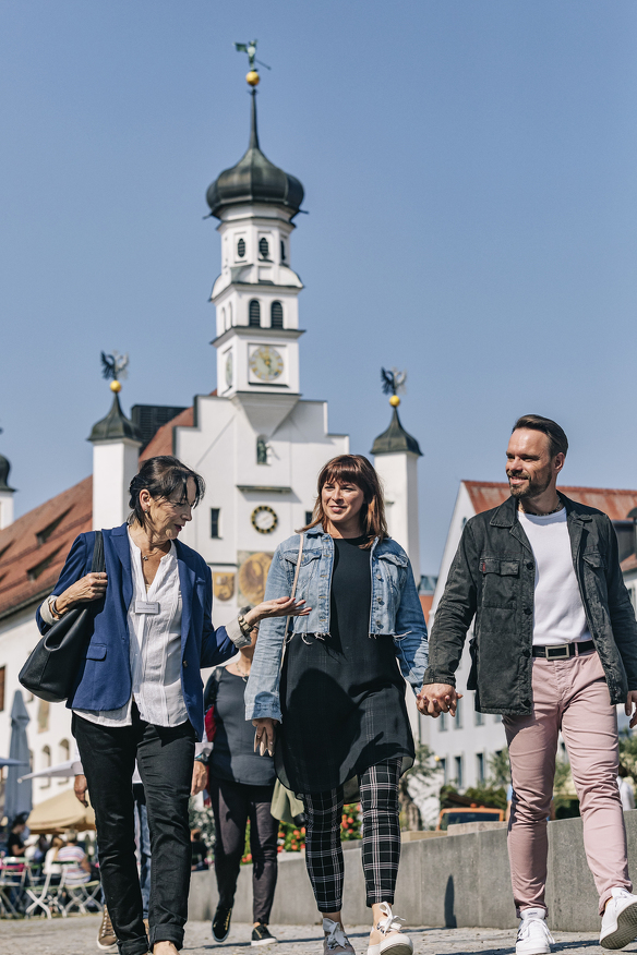 Private Stadtführung vor dem Rathaus in Kempten
